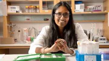 Shyni Varghese in lab