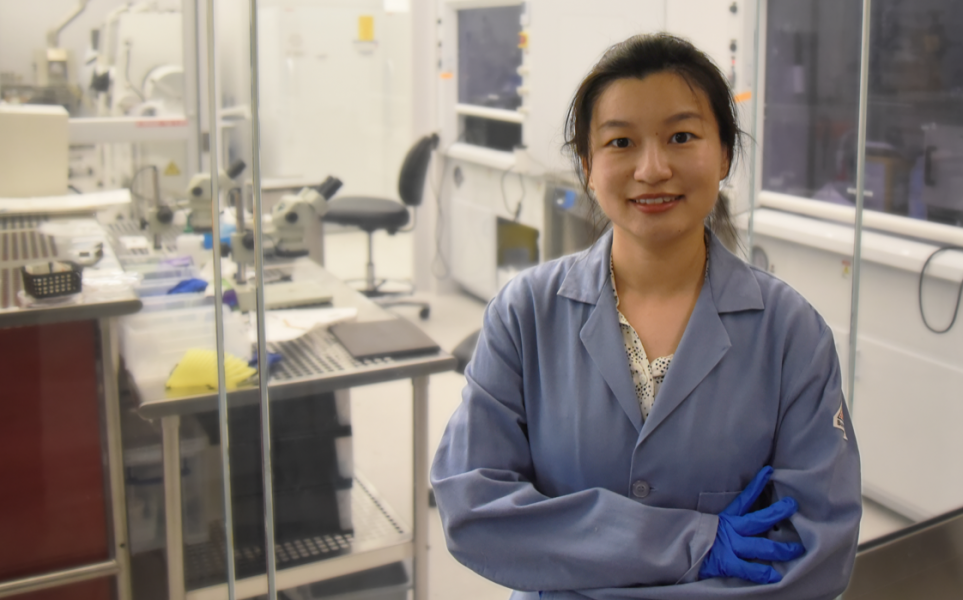 Xiaoyue Ni in her materials lab